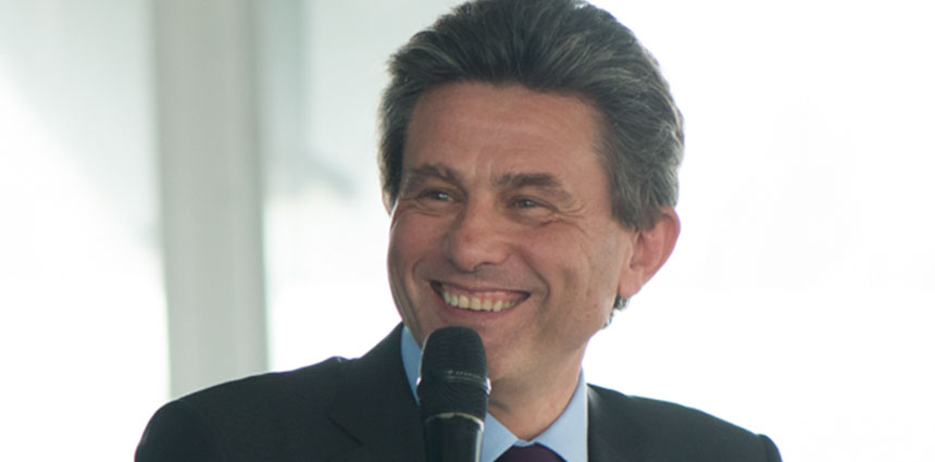 slide860x426-deCastries01